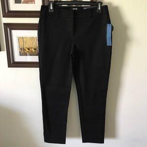 NEW 4 Short Black Skinny Pants